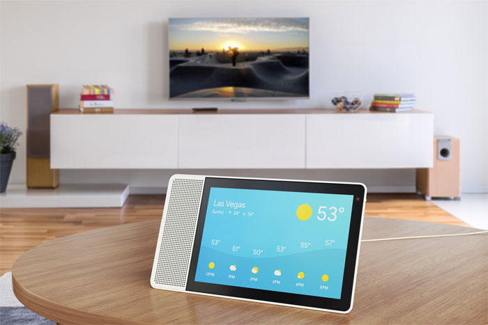 10 inch Lenovo Smart Display showing the weather - Lenovo представляет цифрового помощника Smart Display со встроенным интерфейсом Google Assistant